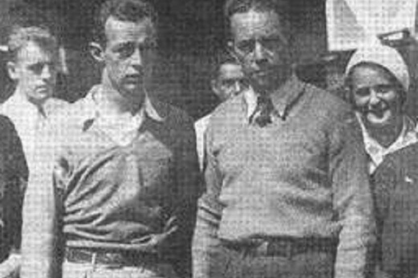 """Резултат с изображение за """"Американците Клайд Пенкбърн и Хю Хърндън"""""""