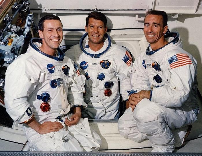 """Резултат с изображение за """"космическият апарат Аполо 7"""""""""""